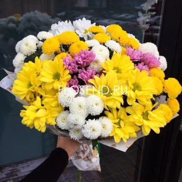Букет из разноцветных хризантем